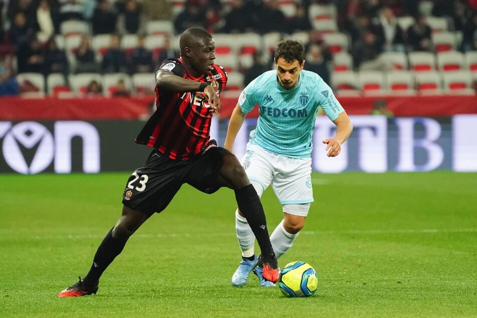 Defensiv-Talent Malang Sarr (l.) möchte Nizza eigentlich im Sommer verlassen. Neben Leipzig sind allerdings auch andere Vereine interessiert.