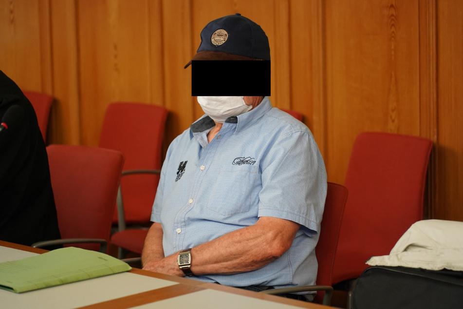 Albert L. (76) will mit dem Tod von Rainer G. (†77) nicht zu tun haben. Er muss sich derzeit am Landgericht in Görlitz verantworten.