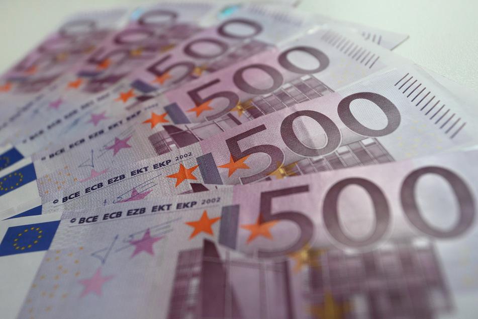 Insgesamt nahmen die 396 Kommunen in NRW rund 10,2 Milliarden Euro an Gewerbesteuer ein. Das waren 2,6 Milliarden Euro weniger als 2019.