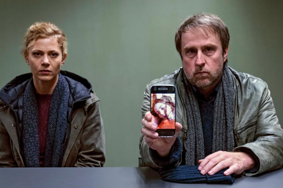 """""""Ferdinand von Schirach - Feinde"""": ARD feiert Mega-Erfolg mit TV-Experiment!"""