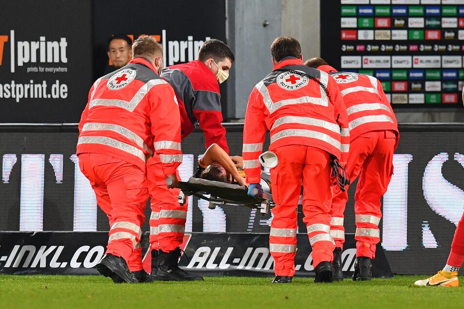 Chris Löwe musste böse verletzt vom Feld getragen werden, kam in die Uni-Klinik.