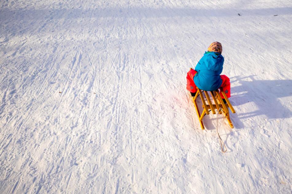 Schlittenfahrt nimmt jähes Ende: Mädchen (8) muss von der Bergwacht gerettet werden