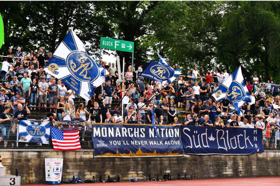 Die 1530 Fans im Stadion waren begeistert vom Auftritt ihrer Dresden Monarchs. Das nächste Heimspiel steigt am 7. August gegen die Kiel Baltic Hurricanes.