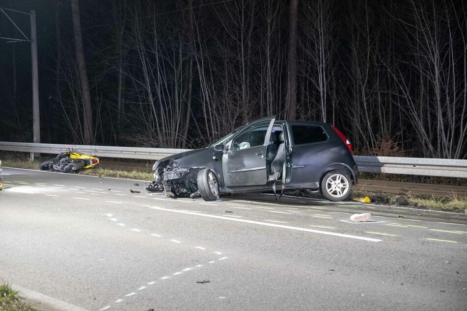 Köln: Suzuki-Fahrer nach Verkehrsunfall lebensgefährlich verletzt