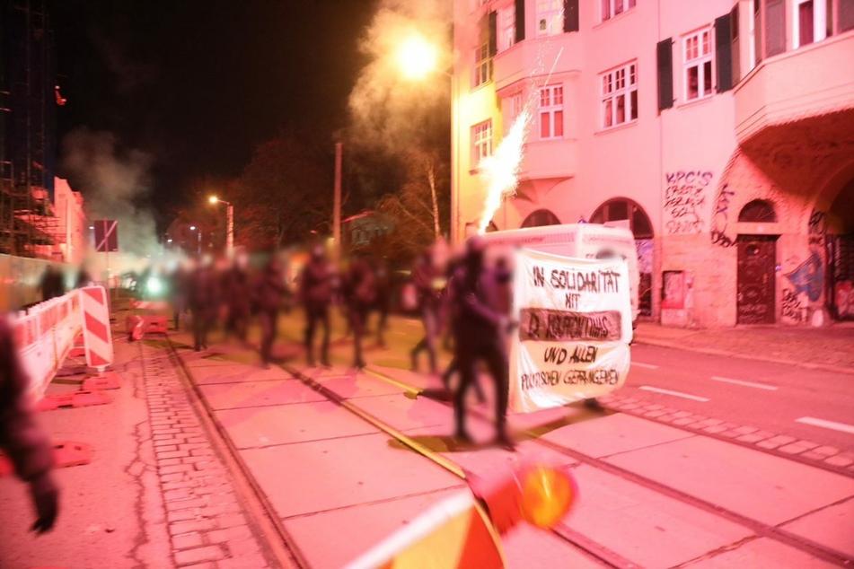 In Connewitz soll es am gleichen Abend eine Spontan-Demonstration gegeben haben.