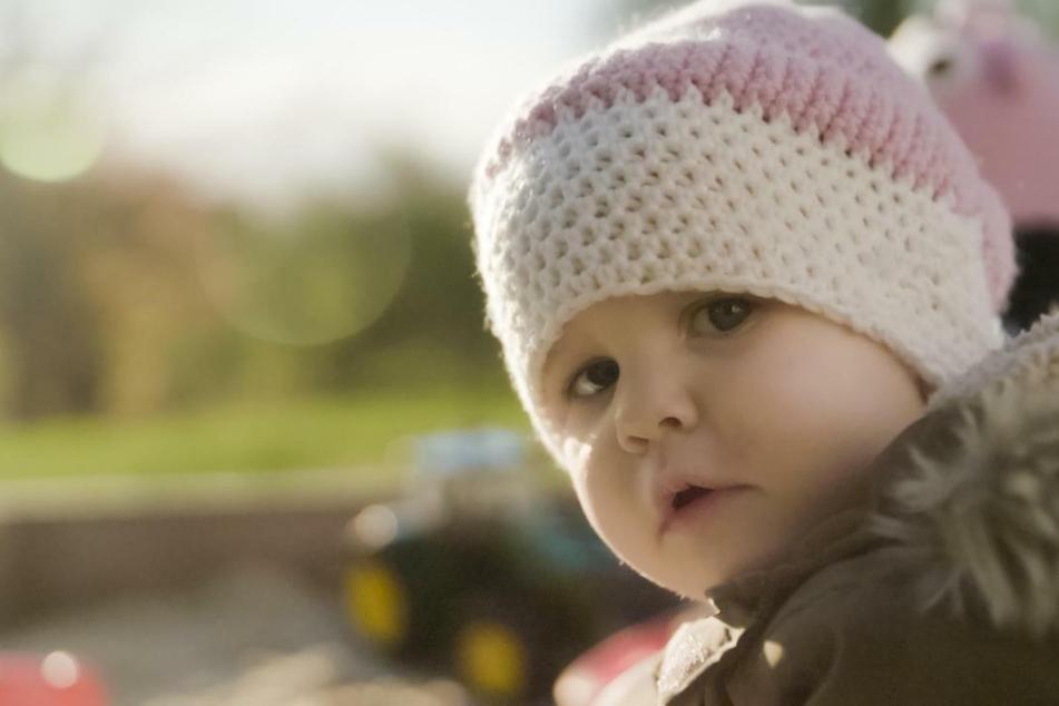 Die zweijährige Madita Haselsteiner kämpft gegen ESBL-Keime.