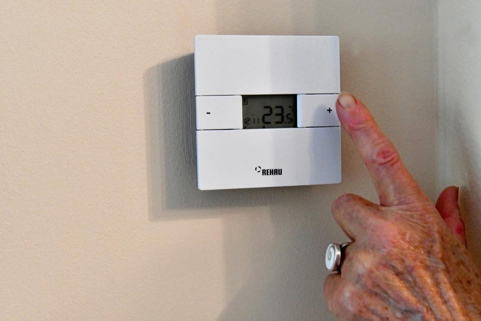 Die Mieter können über diese Anlage in ihren Wohnungen die Raumtemperatur einstellen.