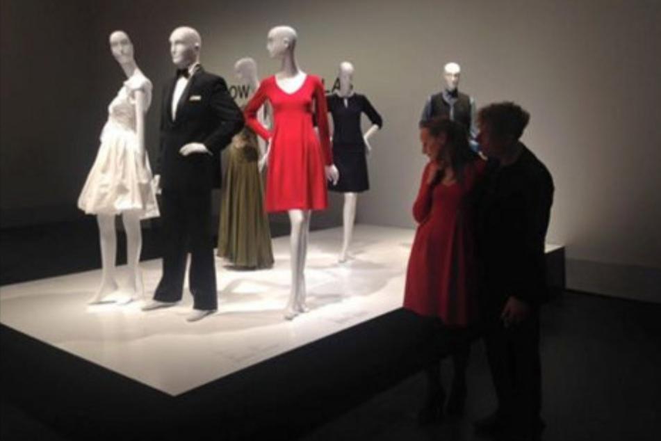Das rote Kleid 2006 im Hygiene-Museum.