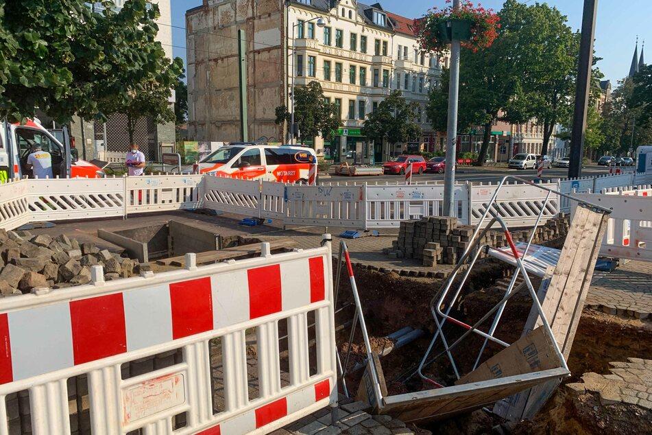 Nach Unwetter in Magdeburg: 79-Jähriger stürzt in Baustellengrube