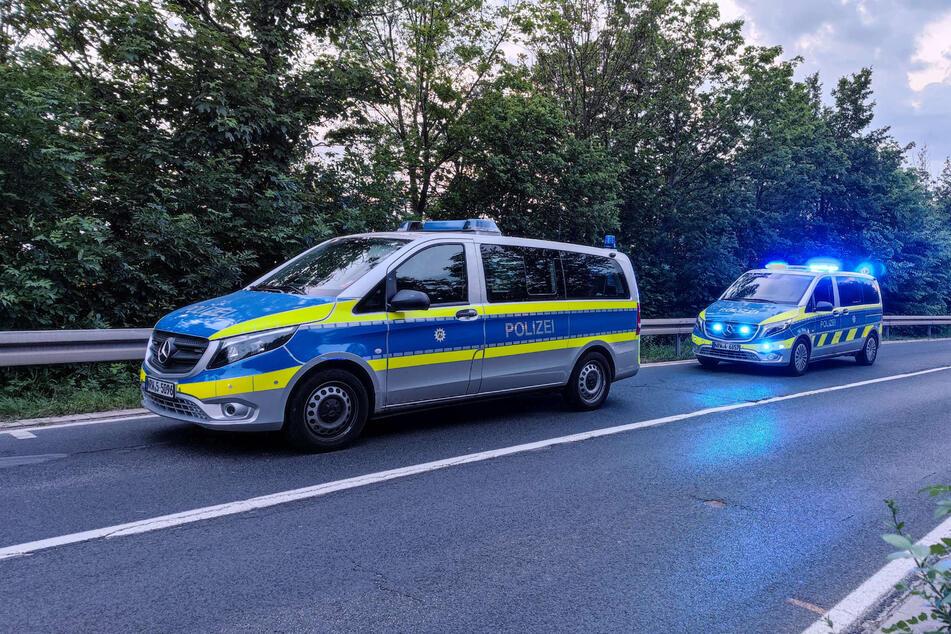 Nach dem tödlichen Unfall am Donnerstagabend in Rheinbach (bei Bonn) sucht die Polizei nach dem anderen beteiligten Motorradfahrer.