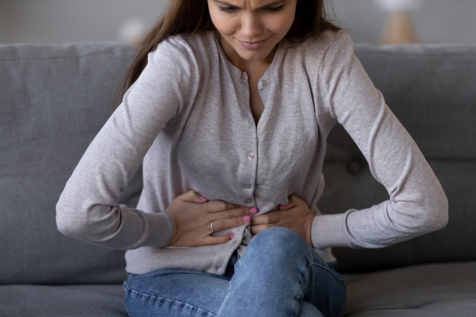 Auch bei der Behandlung des Reizdarmsyndroms kommen Probiotika zum Einsatz. Gerade wenn es Schmerzen oder Verstopfung verursacht, können sie helfen. (Symbolbild)