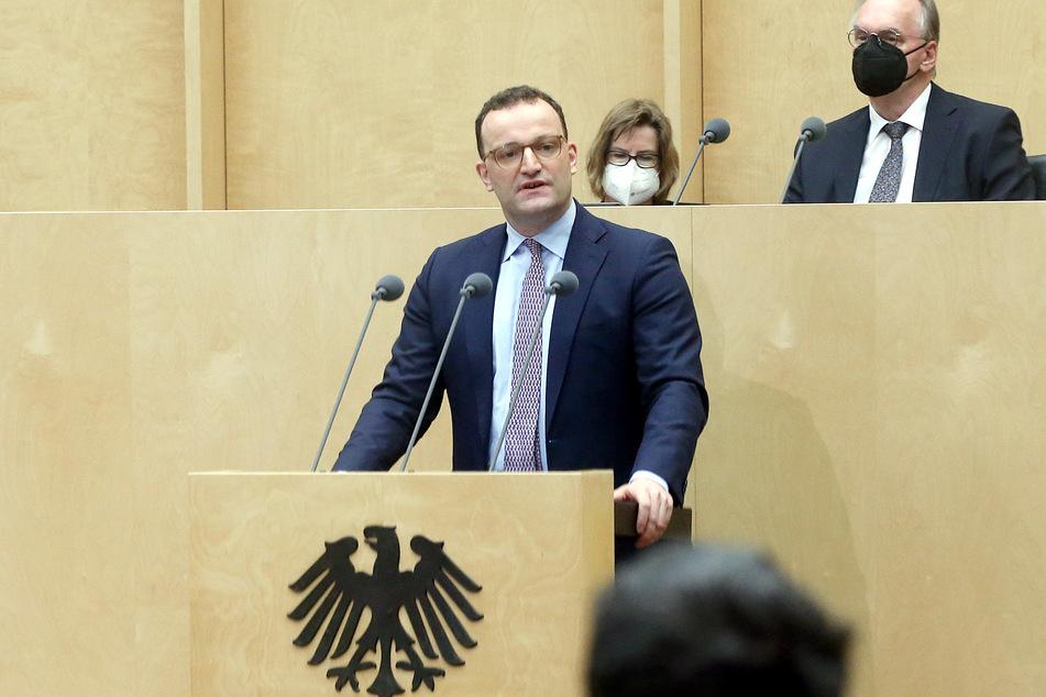 Bundesgesundheitsminister Jens Spahn (40, CDU) hat unter anderem die Impfkampagne schlecht gemanagt, nun warb er für das neue Infektionsschutzgesetz.