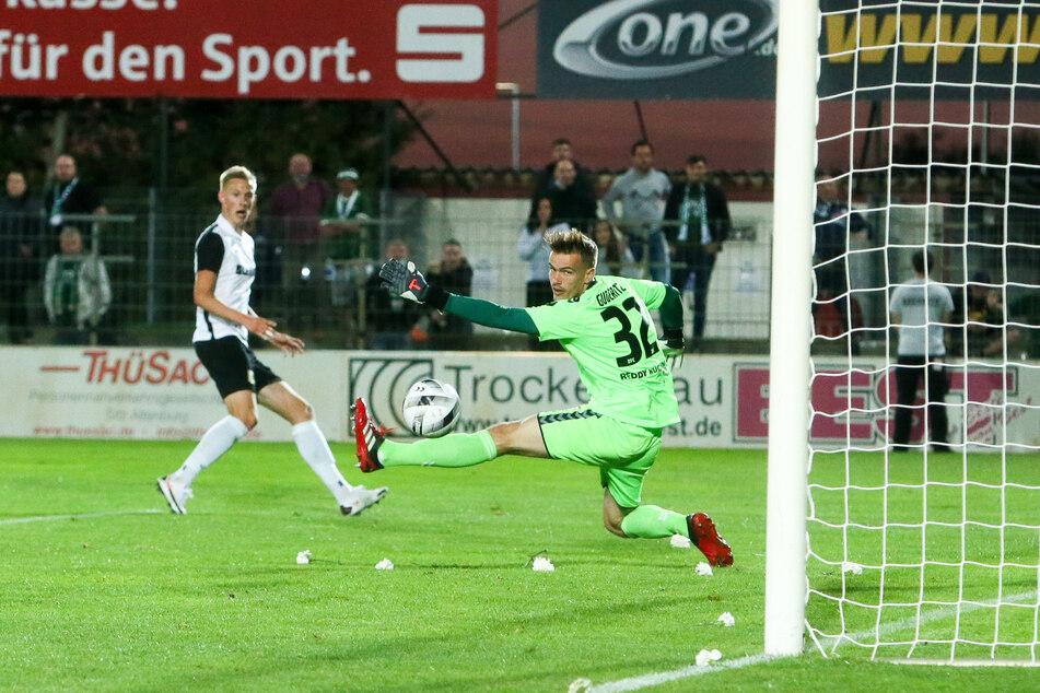 Björn Nikolajewski traf kurz vor der Halbzeit zur 2:1-Führung für Chemie Leipzig.