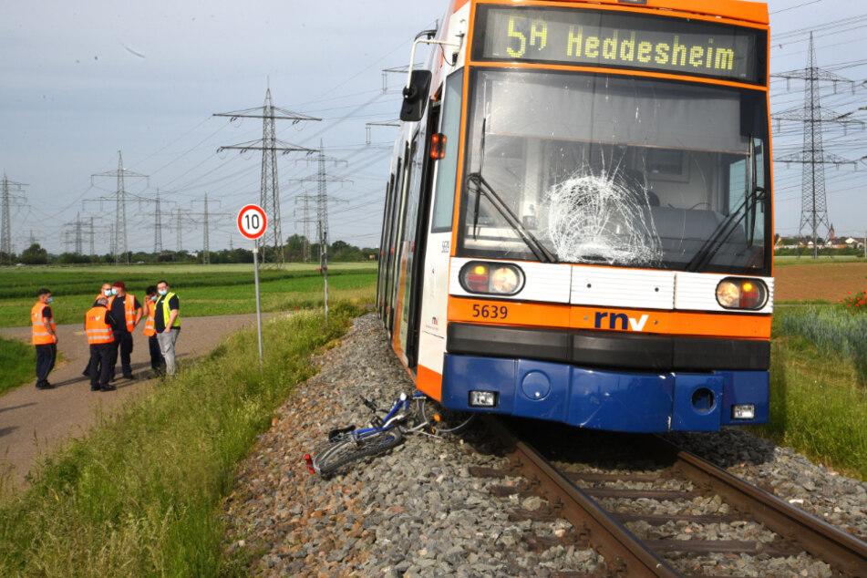 28-Jährige von Straßenbahn erfasst und schwer verletzt