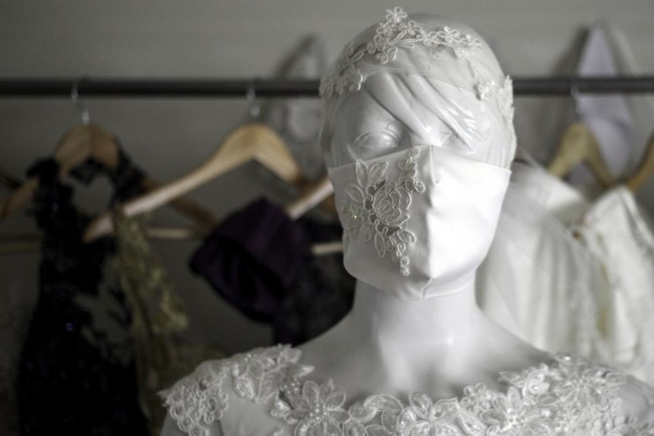 In Zeiten der Pandemie ist die Anzahl der Hochzeitsbesucher weiterhin beschränkt. (Symbolbild)