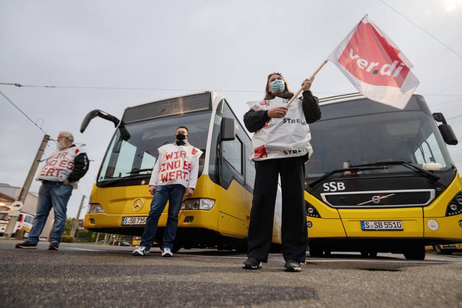 Aufgerufen zum Arbeitskampf in der Busbranche werden zunächst Beschäftigte in rund 20 Betrieben in Baden-Württemberg sein. (Archivbild)