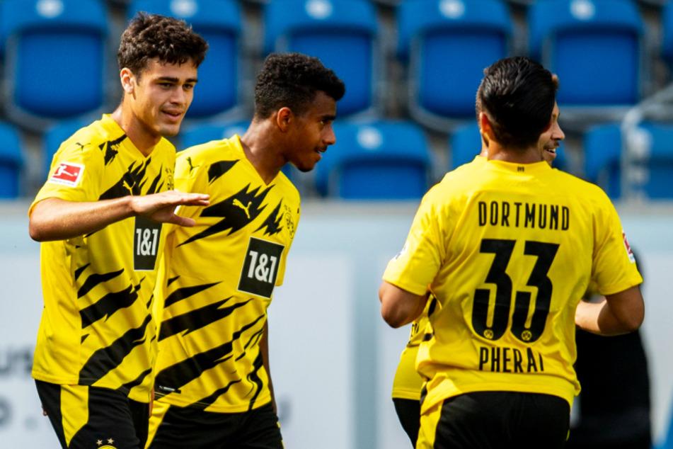 Sie alle spielten in der vergangenen Saison noch in der Dortmunder U19: Giovanni Reyna (l.) traf für den BVB gegen Austria Wien doppelt, Immanuel Pherai (r.) schoss auch ein Tor, Ansgar Knauff glänzte als Vorbereiter.