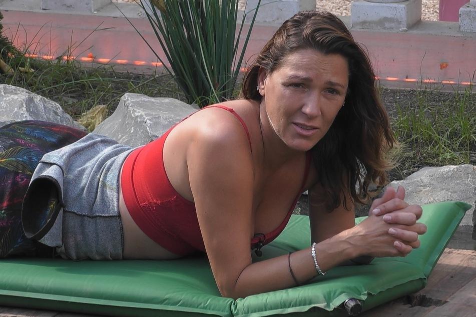 Simone (44) bricht ihr Schweigen und berichtet von einer schlimmer Erfahrung aus ihrer Vergangenheit.