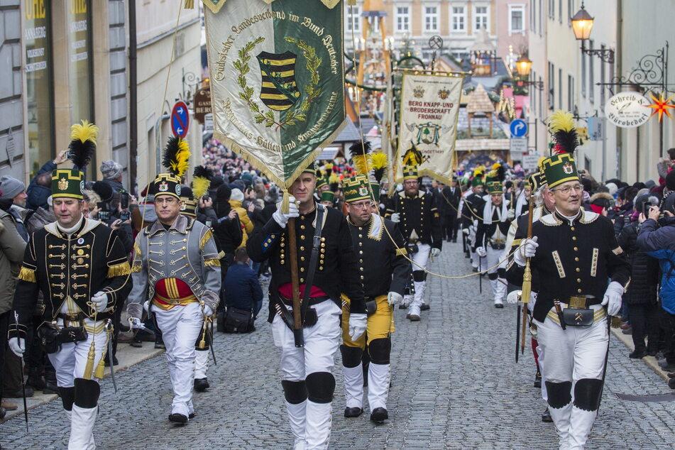 Bergparaden und Weihnachtsmärkte können in Sachsen unter bestimmten Bedingungen stattfinden.