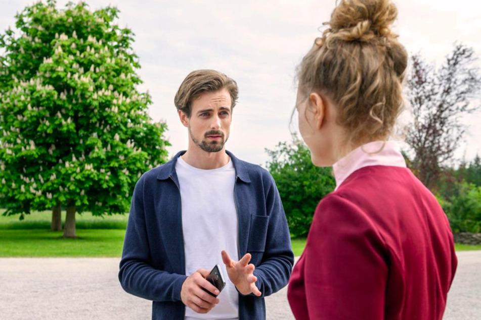 Hannes (Pablo Konrad, 30) bleibt gegenüber Maja (Christina Arends, 30) optimistisch, dass die Forschung zum Antibiotikum weiter geht.