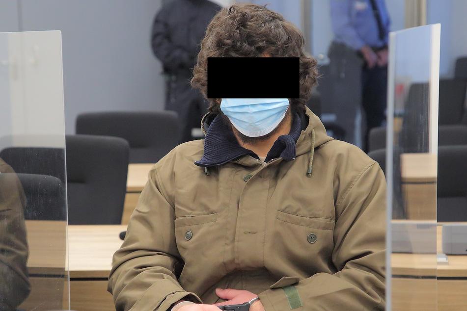 Wirkte bei den Zeugenaussagen teilnahmslos: der radikale Islamist Abdullah A. H. H. (21).