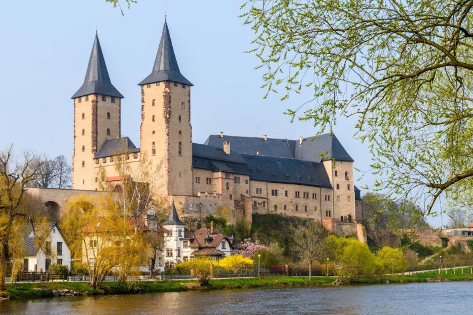 Einfach mal frische Luft schnuppern: Blick auf Schloss Rochlitz, idyllisch an der Zwickauer Mulde gelegen.