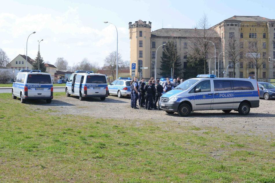 Mit einem Großaufgebot rückte die Polizei am Mittwoch in Zittau aus.