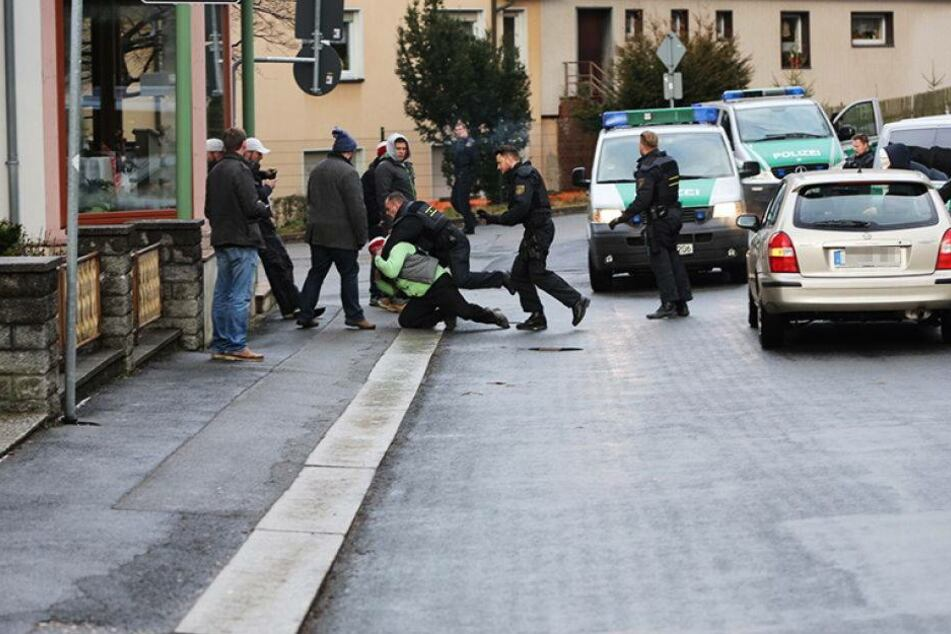 Proteste bei Erstaufnahme-Bezug in Einsiedel!