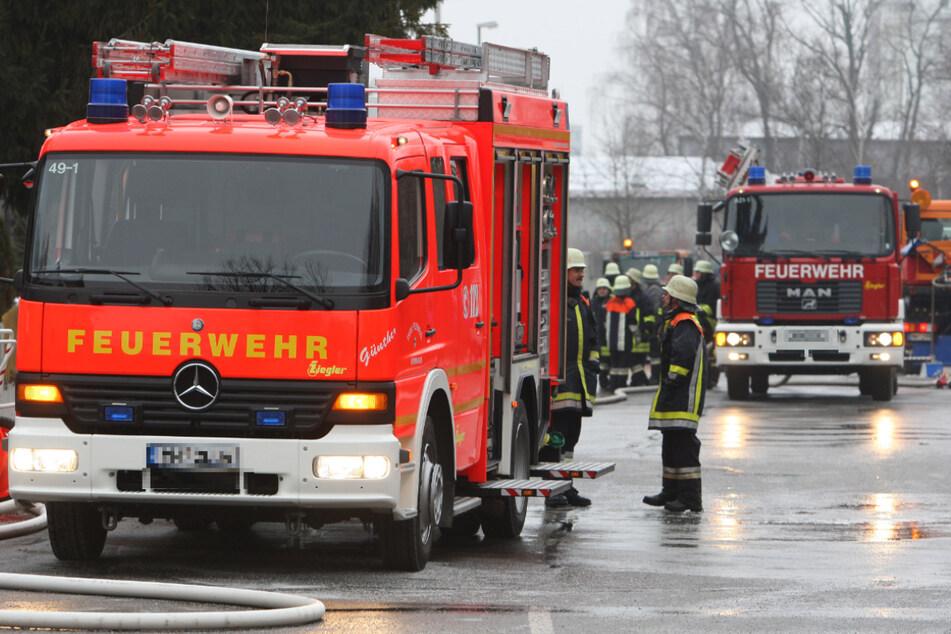 Mann nach verheerendem Wohnungsbrand in Lebensgefahr!