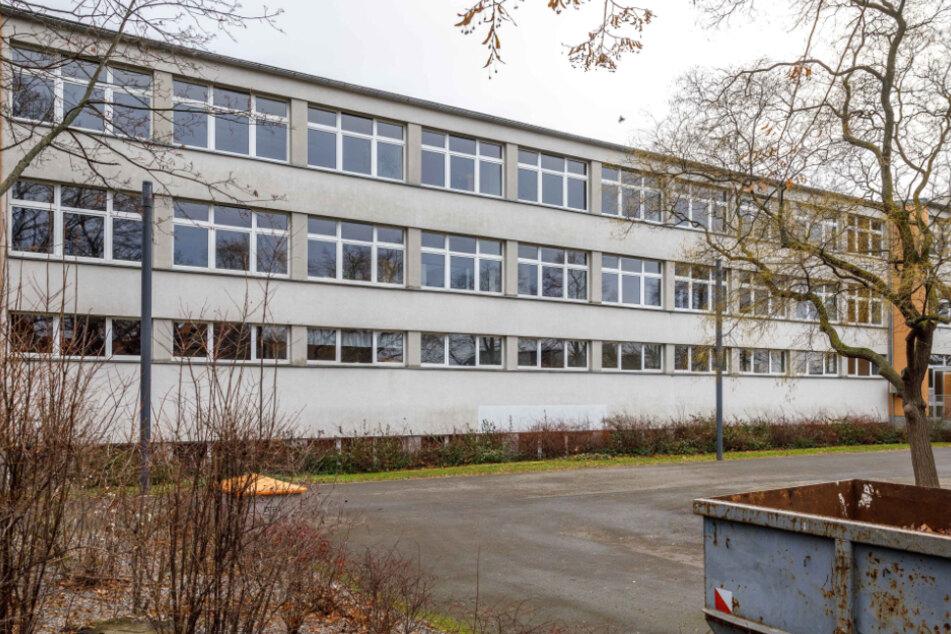 Bis Sommer 2023 soll das Gymnasium Cotta am Terrassenufer untergebracht werden.