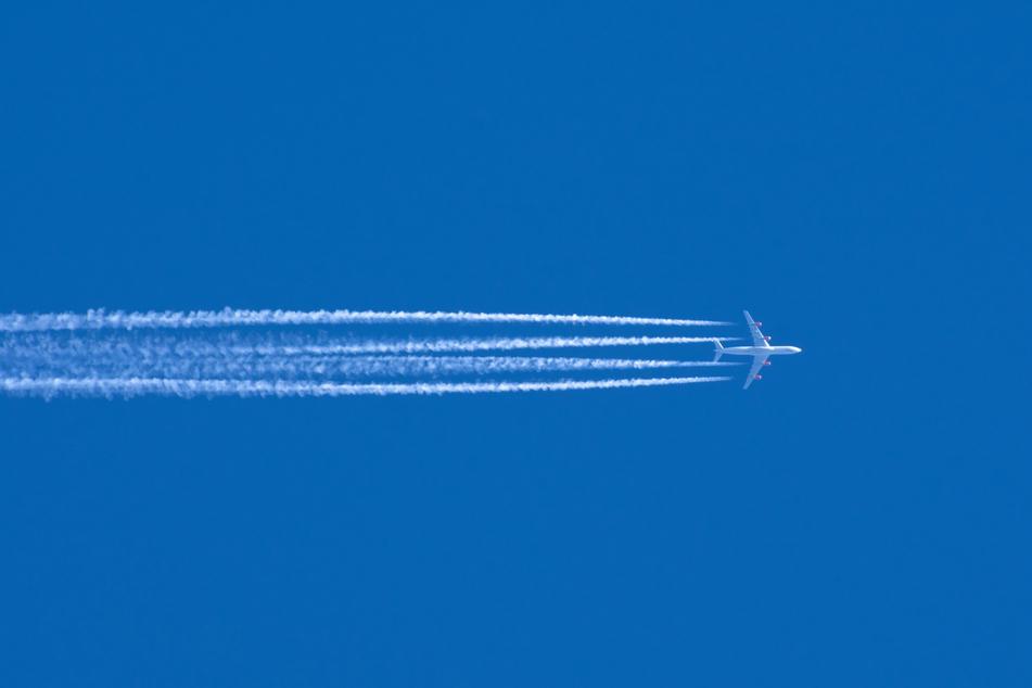 "Pilots report ""guy in a jetpack"" flying over LA – again!"