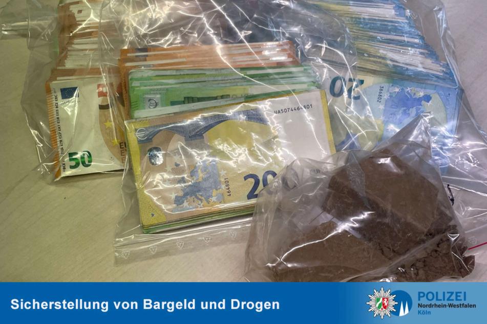 Am Dienstagmorgen hat die Kölner Polizei bei Wohnungs-Durchsuchungen in der Innenstadt unter anderem Drogen und Bargeld gefunden. Gegen sechs Männer wird ermittelt.