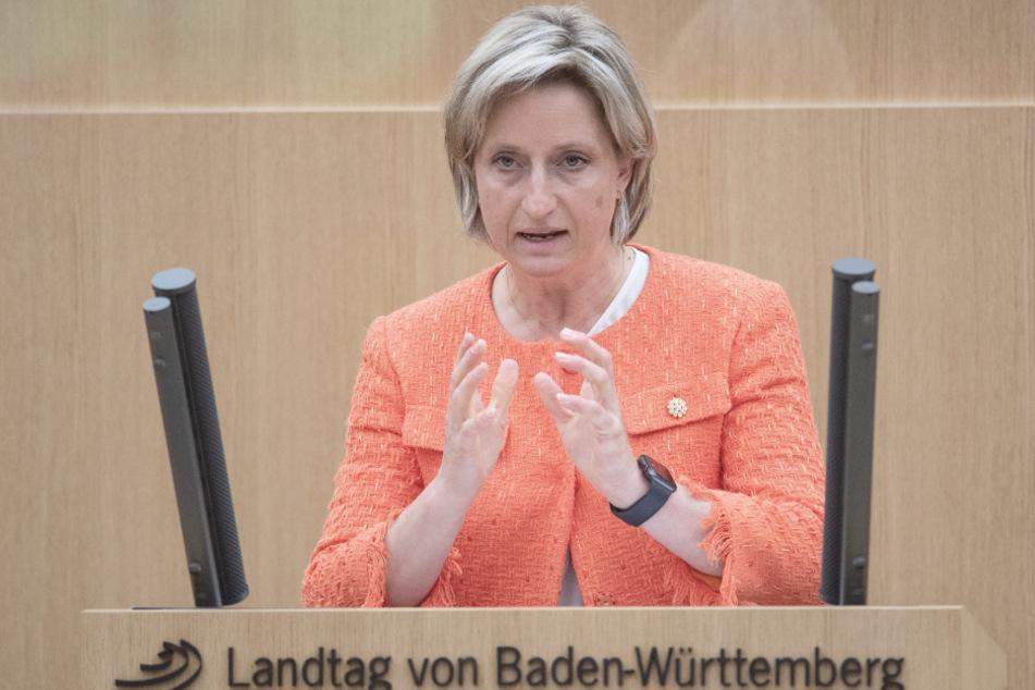Wirtschaftsministerin warnt vor Folgen einer Homeoffice-Pflicht