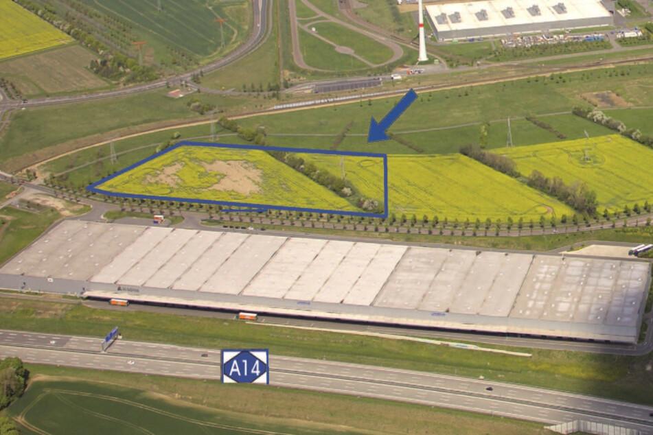 Auf diesem blau umrandeten Areal zwischen BMW-Werk und A14 soll der Autohof entstehen.
