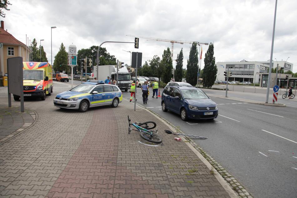 Der Unfall ereignete sich auf der Maxim-Gorki-Straße, unmittelbar vor dem Zentralen Omnibusbahnhof (ZOB) in Pirna.