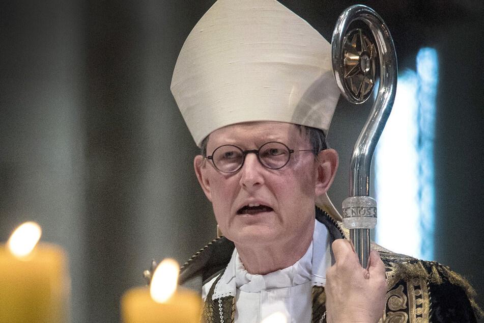 Kölner Katholikenausschuss hat in der Krise um Kardinal Rainer Maria Woelki ein Eingreifen des Vatikans angeregt.
