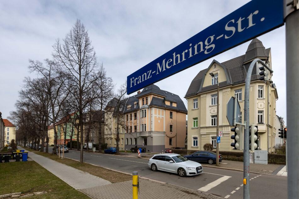 In der Franz-Mehring-Straße lösten Ordnungsamt und Polizei eine Corona-Party auf.
