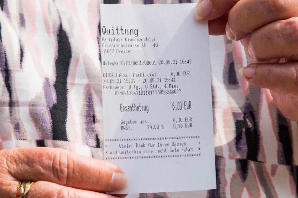 Sechs Euro musste sie für vier Minuten Parken zahlen.