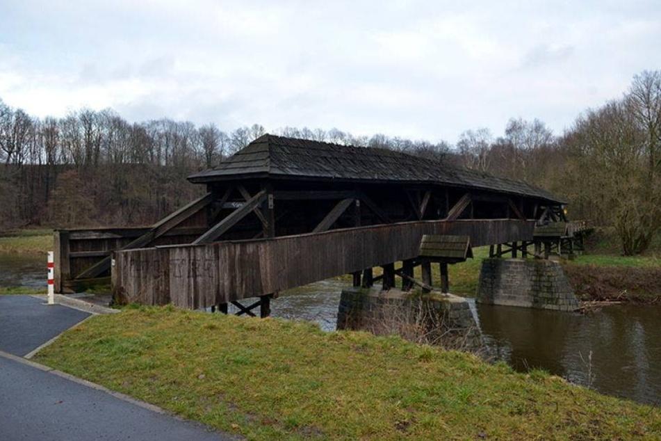 Älteste Holzbrücke Sachsens wird saniert