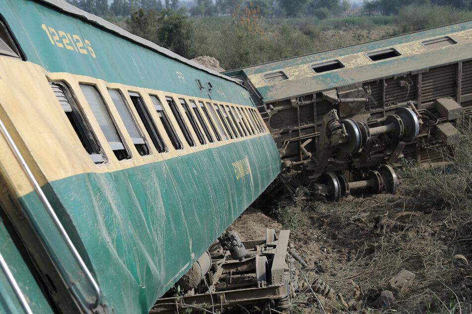 Toter und viele Verletzte bei Zugunglück