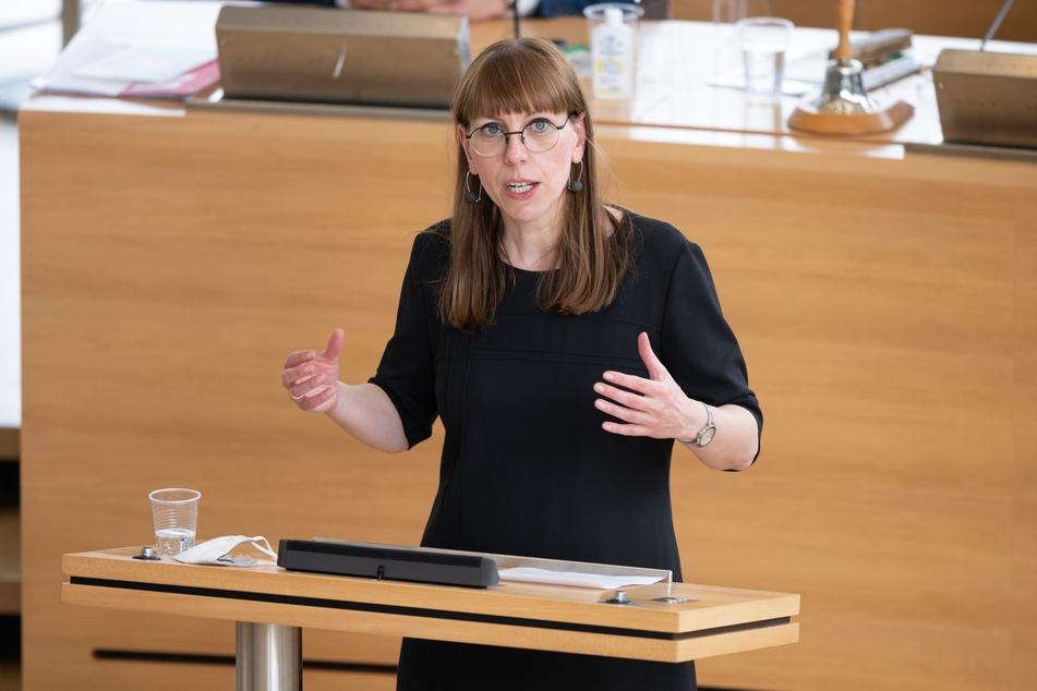 """Sachsens Justizministerin Katja Meier (41, Grüne) sprach von einem """"Kulturwandel"""" der öffentlichen Verwaltung."""