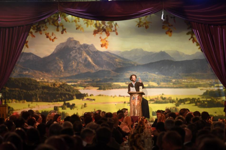 Maximilian Schafroth hält beim Starkbieranstich 2019 auf dem Nockherberg die Fastenpredigt.
