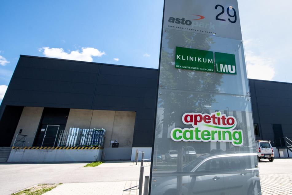 Neuer Corona-Hotspot bei Caterer in Oberbayern: Droht ein Lockdown?