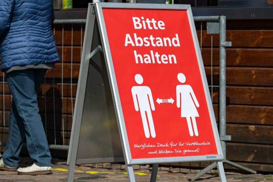 """""""Abstand halten ist in diesen Tagen wichtig. Doch laut FW-Chef Steffen Große muss auch das gesellschaftliche Leben wieder in Gang kommen."""