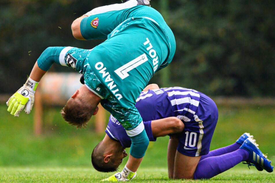 Griechisch-römisch: Dynamo-Keeper Kevin Broll (l.) hat Dimitrij Nazarov gestoppt.