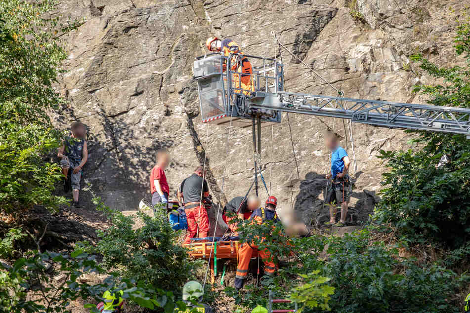 Chemnitz: Schwerer Kletterunfall: Mann stürzt sechs Meter in die Tiefe und verletzt sich schwer