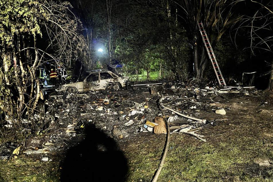 Pure Zerstörung blieb am Brandort zurück.