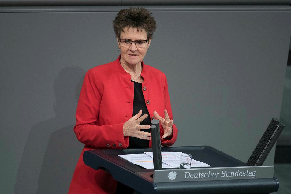 Sabine Zimmermann (59).