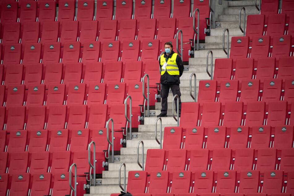 Bei bundesweiten Teamsportwettbewerben in NRW sollen Zuschauer ab einer Inzidenz von 35 verboten werden.