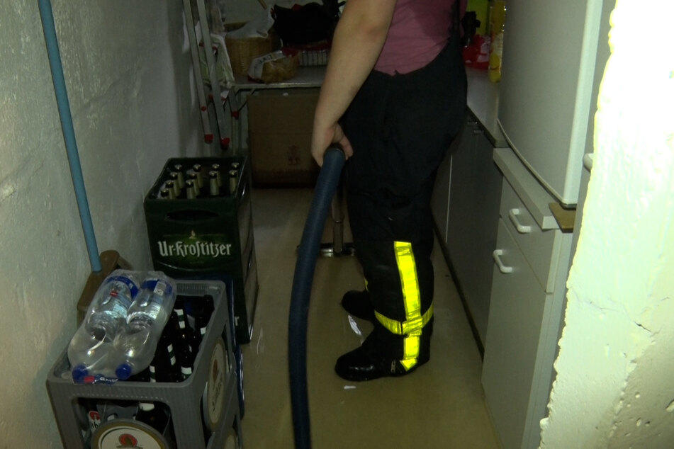 In Lichtenstein mussten nach heftigen Regenfällen Keller ausgepumpt werden. Die Feuerwehr war im Dauereinsatz.